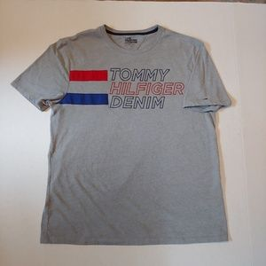 Tommy Hilfiger spellout tee